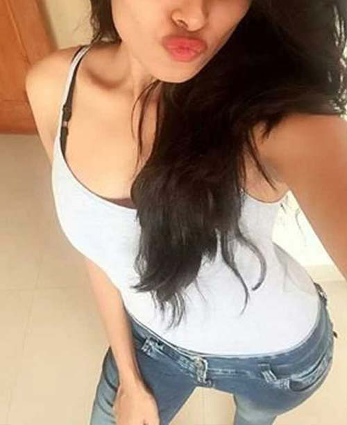 Dating Call Girl in SUrat